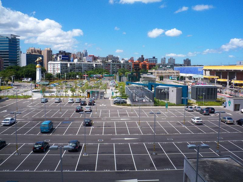 Парковки и стоянки для автомобилей